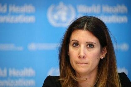 FOTO DE ARCHIVO-La responsable técnica de la Organización Mundial de la Salud (OMS), Maria Van Kerkhove, asiste a una conferencia de prensa sobre la situación del coronavirus (COVID-2019), en Ginebra, Suiza. 28 de febrero de 2020. REUTERS/Denis Balibouse