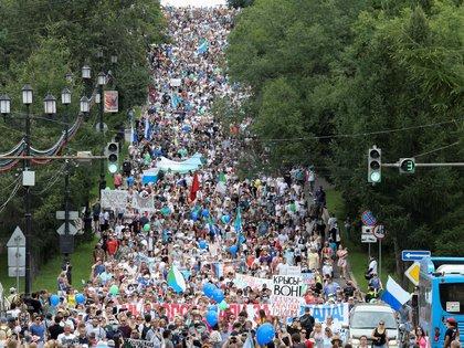 Imagen de la marcha contra el Kremlin de ayer. (REUTERS/Evgenii Pereverzev)