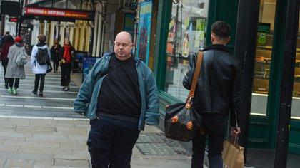 """La campaña """"Con mejor salud"""", lanzada por las autoridades sanitarias británicas, """"instará a las personas a adoptar un estilo de vida más sano y a perder peso si lo necesitan"""" (Shutterstock.com)"""