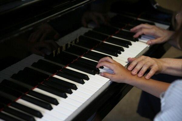 Se aprenderá cómo usar diferentes herramientas tecnológicas para optimizar la producción musical (Reuters/ Costas Baltas)