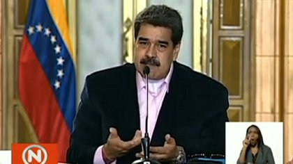 """El presidente de Venezuela, Nicolás Maduro, calificó de """"miserable"""" a su par de Estados Unidos, Donald Trump, luego de que Washington lo acusara este jueves de """"narcoterrorismo"""" y ofreciera una recompensa por su detención."""