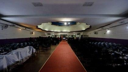 En el templo principal del pastor, durante una de las reuniones que se llevan en el día (Nicolás Aboaf)