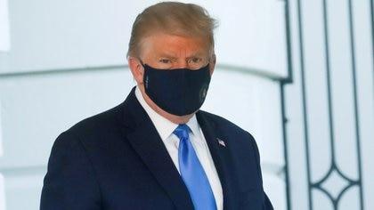 El presidente de Estados Unidos, Donald Trump con una máscara facial. REUTERS/Leah Millis/File Photo/File Photo