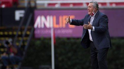 Víctor Manuel Vucetich reconoció la ventaja que tiene León para la vuelta de las semifinales (Foto: Francisco Guasco / EFE)