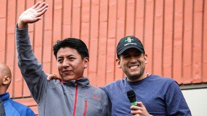 Camacho y Pumari, durante un acto que compartieron el mes pasado en La paz, antes de comenzar a competir por la candidatura presidencial
