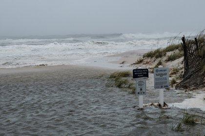 Sally tocó tierra en Alabama como huracán de categoría 2 (EFE/EPA/DAN ANDERSON)