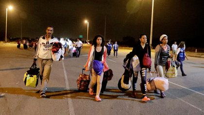 Venezolanos ingresando a Perú (Reuters/ Guadalupe Pardo)