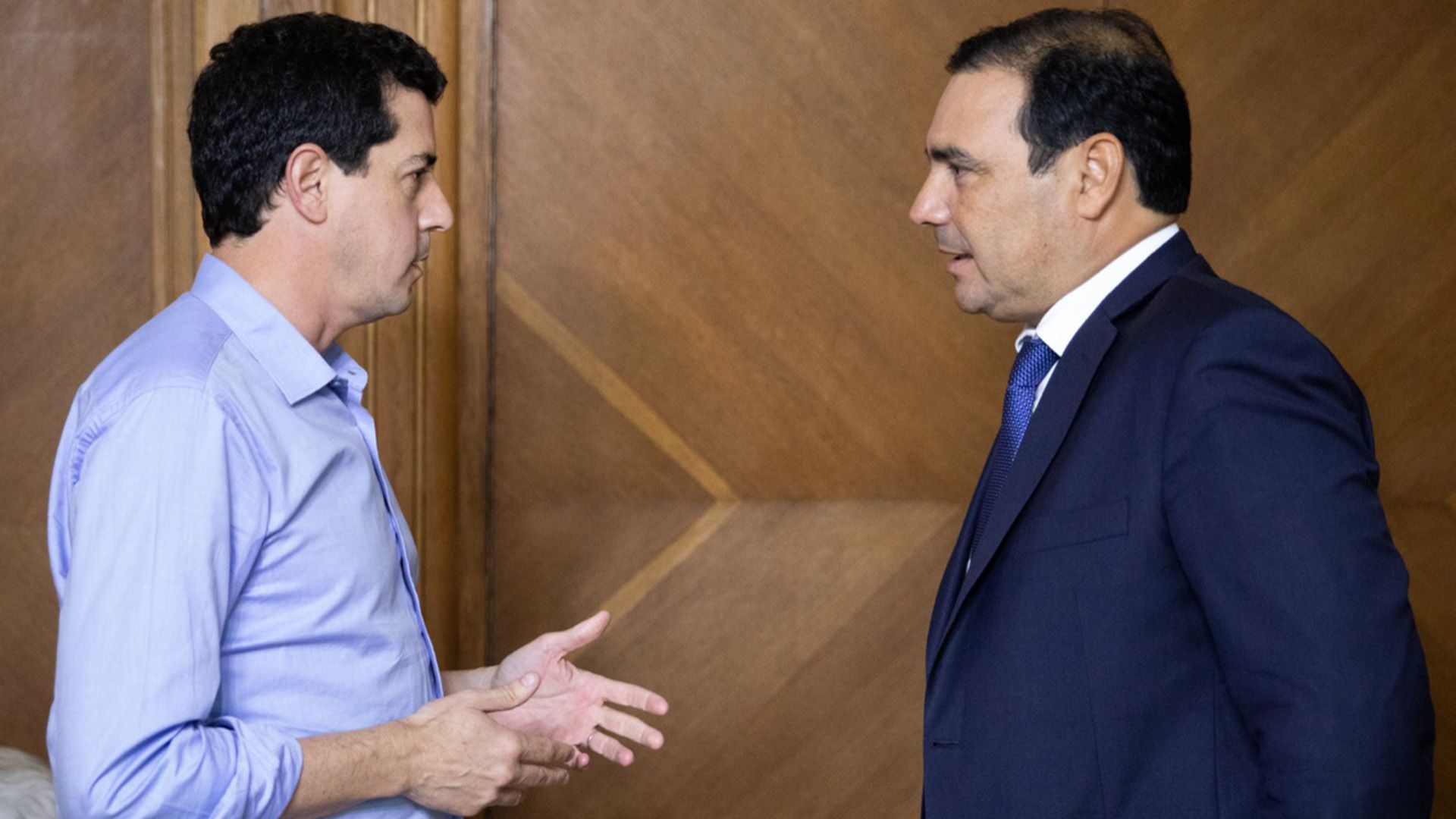 Wado de Pedro, esta semana, junto al gobernador de Corrientes, Gustavo Valdés (Crédito: Fotografía Ministerio del Interior)