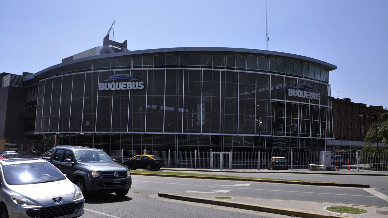 El puerto de Buquebus es uno de los ingresos habilitados