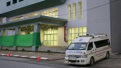 El hospital en el que están internados los niños rescatados (REUTERS/Athit Perawongmetha)