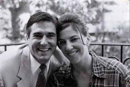 Gayle Saks con su amigo Craig en 2000