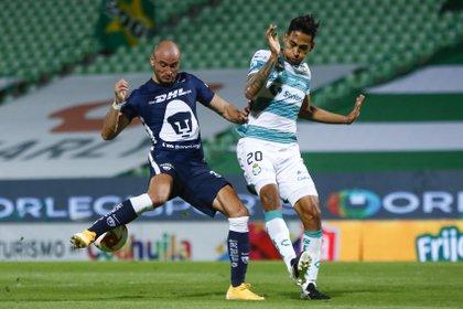 """El timonel verdiblanco señaló que sus futbolistas han tenido cosas positivas como """"la entrega y la disposición"""" (Foto: Cortesía/ Club Santos/ Armando Marin/ JAM MEDIA)"""