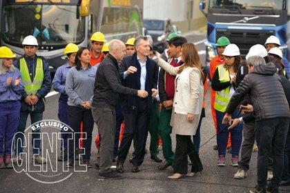 El abrazo de Larreta, Macri y Vidal en la inauguración del Paseo del Bajo. Foto: Fabián Uset/GENTE