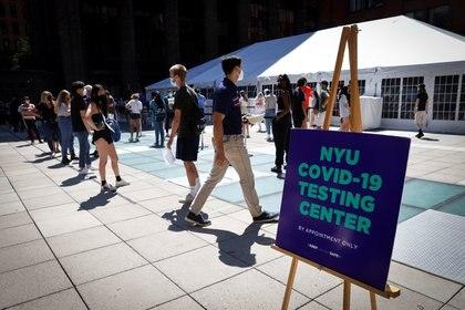 Nueva York realizó la mayor prueba de anticuerpos, analizando a casi un millón y medio de personas (REUTERS/Mike Segar)