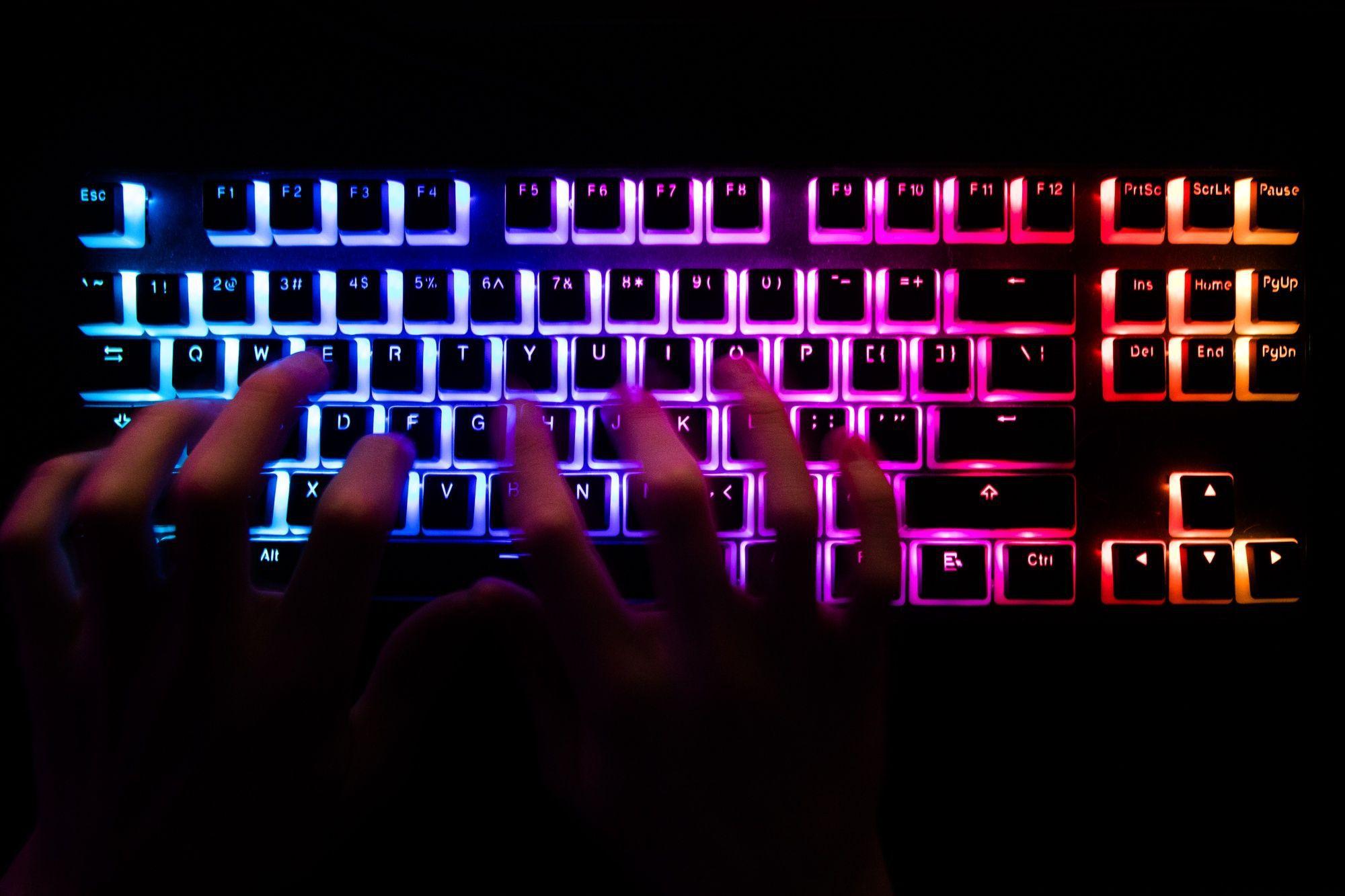 La información robada podría usarse para extorsionar a los usuarios (Chris Ratcliffe/Bloomberg)