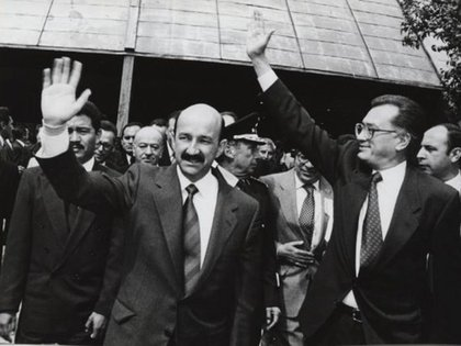 Manuel Bartlett y Carlos Salinas de Gortari (Foto: Especial)