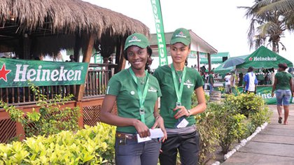 Promotoras de Heineken en África