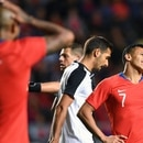 Chile's players Arturo Vidal (L) and Alexis Sanchez react after missing a chance to score against Costa Rica, during a friendly football match, at El Teniente stadium, in Rancagua, Chile on November 16, 2018. (Photo by MARTIN BERNETTI / AFP)