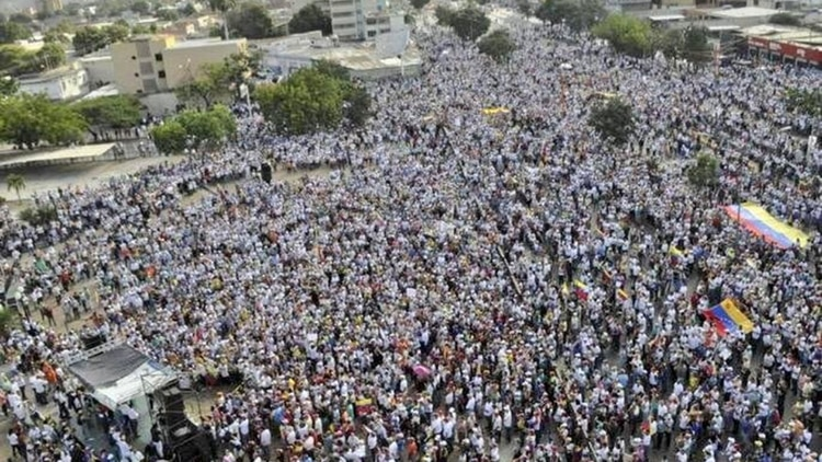 Miles de personas en Barquisimeto (Juan Guaidó)