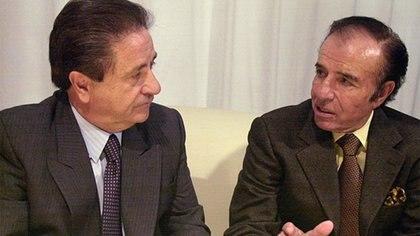 Carlos Menem y Eduardo Duhalde acordaron un singular auxilio financiero para la provincia de Buenos Aires en los noventa, con el Fondo del Conurbano (NA)