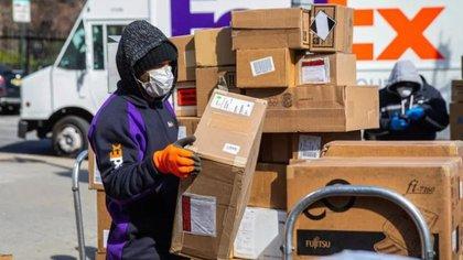 Se debe realizar el aseo y desinfección diario de los vehículos de entrega (Foto: Especial)