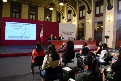 La conferencia en la que se dieron a conocer las últimas cifras sobre el avance del virus (Foto: Cortesía)
