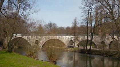 El puente Sternbrueke, sobre el río Ilm, en Weimar, escenario de la tragedia