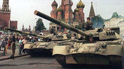 Los días de la disolución de la Unión Soviética, como se vivió en Moscú. (Archivo)