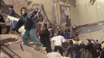 Ataque terrorista a la AMIA, 18 de julio de 1994. (Julio Menajovsky)