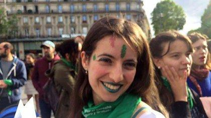 Camila Argüelles. Campeona de tenis de mesa y activa militante (@Cami_hlvs)