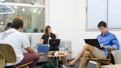Espacio de co-learning en una de las sedes de Digital House.