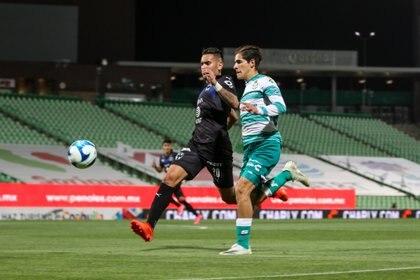El estratega le restó importancia a la derrota de esta noche y señaló que deben estar enfocados en el encuentro contra Necaxa (Foto: Cortesía/ Club Santos)