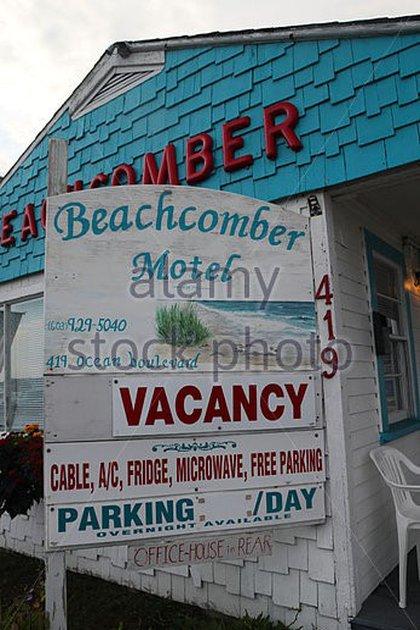 El motel sigue existiendo y la fachada está idéntica. La familia la vendió hace años