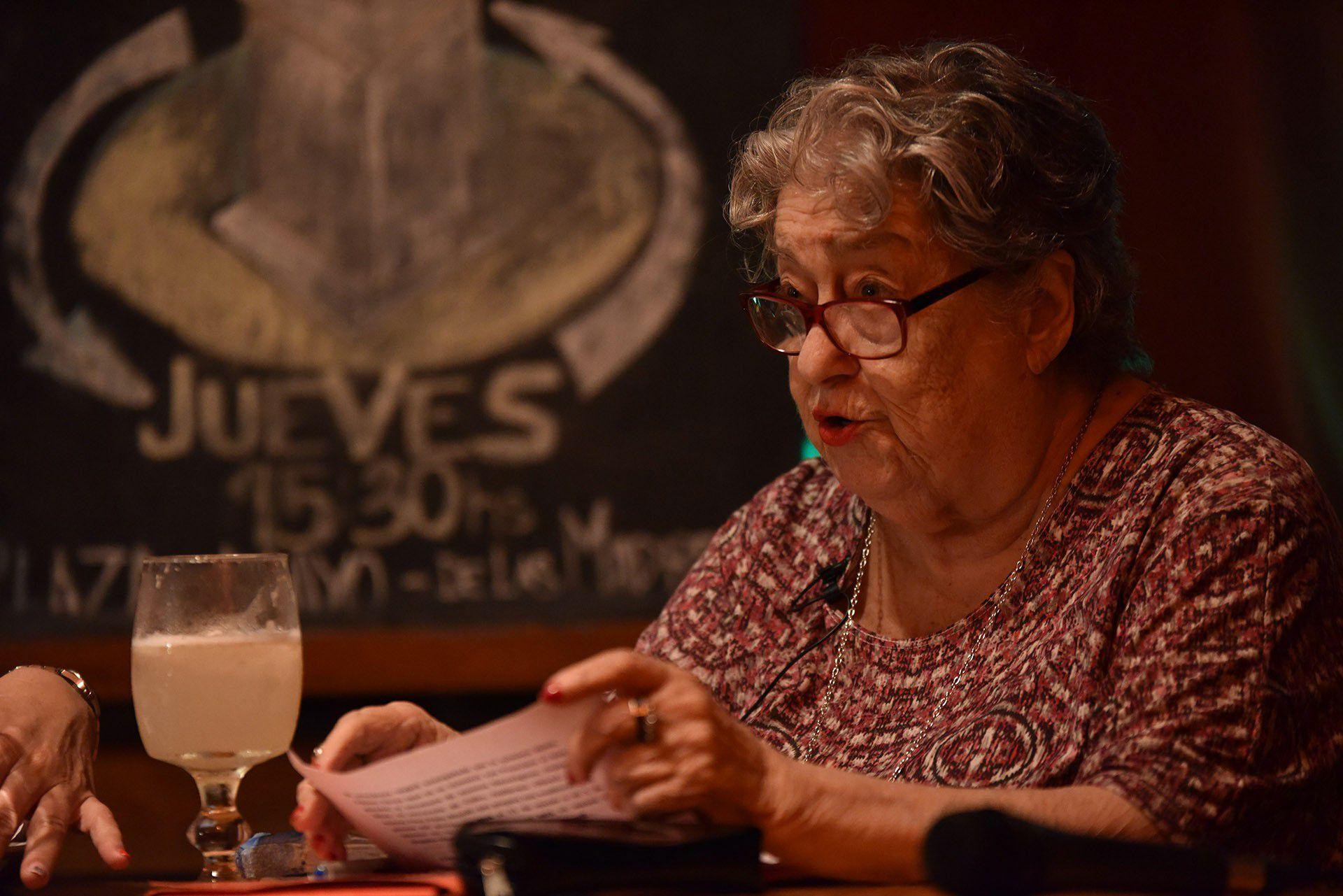 En la sede de Madres de Plaza de Mayo Hebe de Bonafini dio una charla. La entrada: un kilo de arroz (Franco Fafasuli)