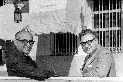 Arturo Frondizi y Rogelio Frigerio en la residencia de Olivos