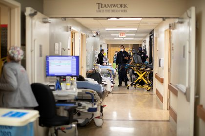 La situación sanitaria en California ya colapsó en algunas zonas del estado (Reuters)