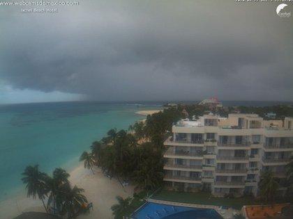 Imágenes del paso de la tormenta tropical Marco por Isla Mujeres, en Quintana Roo (Foto: Twitter Webcams de México)