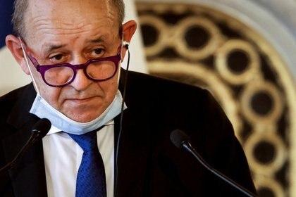 El ministro francés de Asuntos Exteriores y de Europa, Jean-Yves Le Drian, habla durante una conferencia de prensa conjunta en París, Francia, el 11 de marzo de 2021. Ludovic Marin / Pool vía REUTERS / Foto de archivo