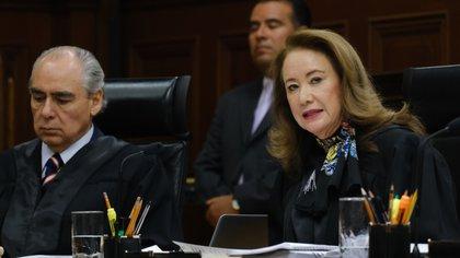 Los ministros José Fernando Castro y Yasmín Esquivel Mossa
