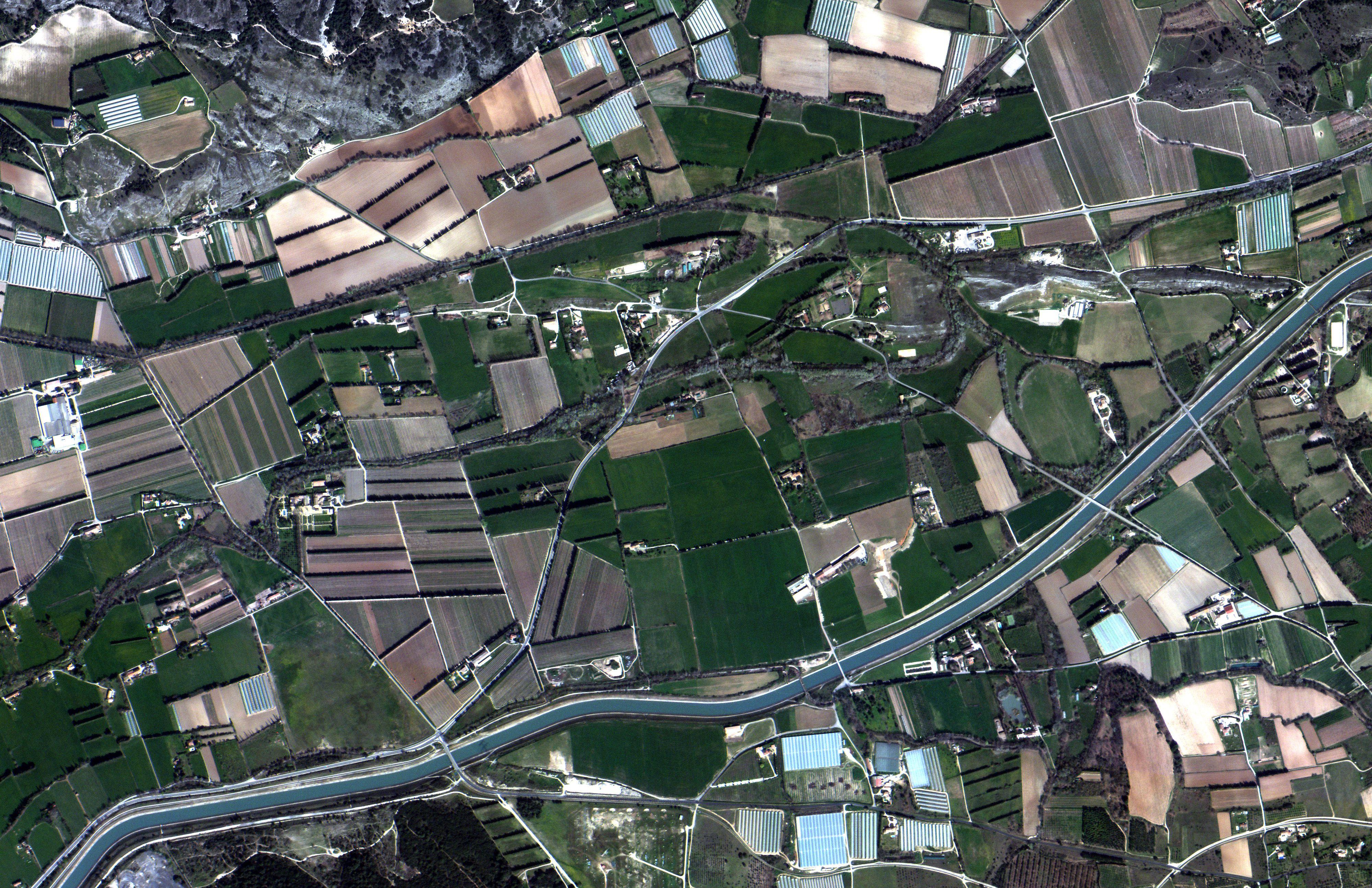 Imagen de Lamanon, Francia tomada con satélites de Satellogic