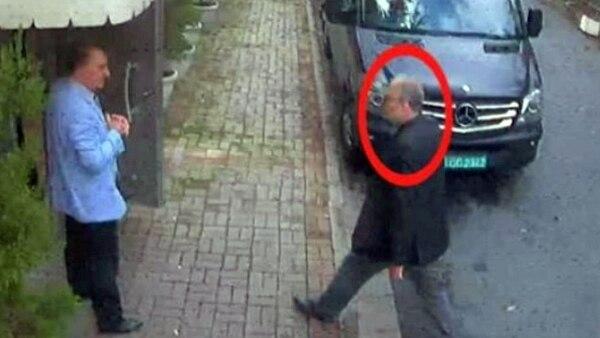 Las cámaras de seguridad mostraron la entrada de Jamal Khashoggi al consulado saudí. (Reuters)