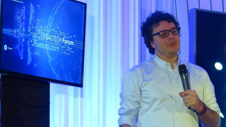 Federico Ast, an economist and specialist in innovation and digital business, spoke about blockchain technology.