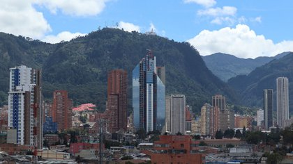 obre los departamentos en los que se hospedaron entre septiembre y octubre, los que concentraron la mayor participación fueron Bogotá, Antioquia, Valle del Cauca y Bolívar. Foto: Wikimedia Commons / @JosCuevasc