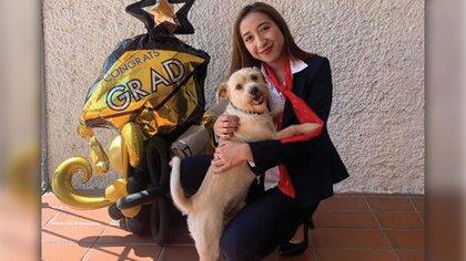 La joven de 21 años acababa de graduarse (Foto: Facebook/Cristo Villaseñor)
