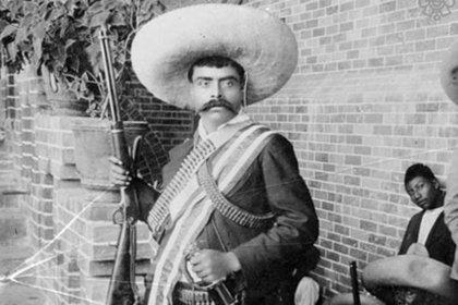 Esta imagen de Zapata fue tomada en 1911 en el Hotel Moctezuma. Se desconoce su autor (Twitter: Fototeca Nacional)
