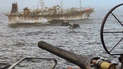 La depredación ictícola argentina, por parte de los chinos, afecta ingresos por impuestos en cifras millonarias. Foto: Gentileza Armada Argentina.