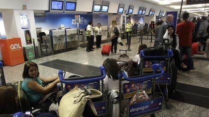 En Aerolíneas Argentinas, llegaron a cancelarse nueve vuelos.