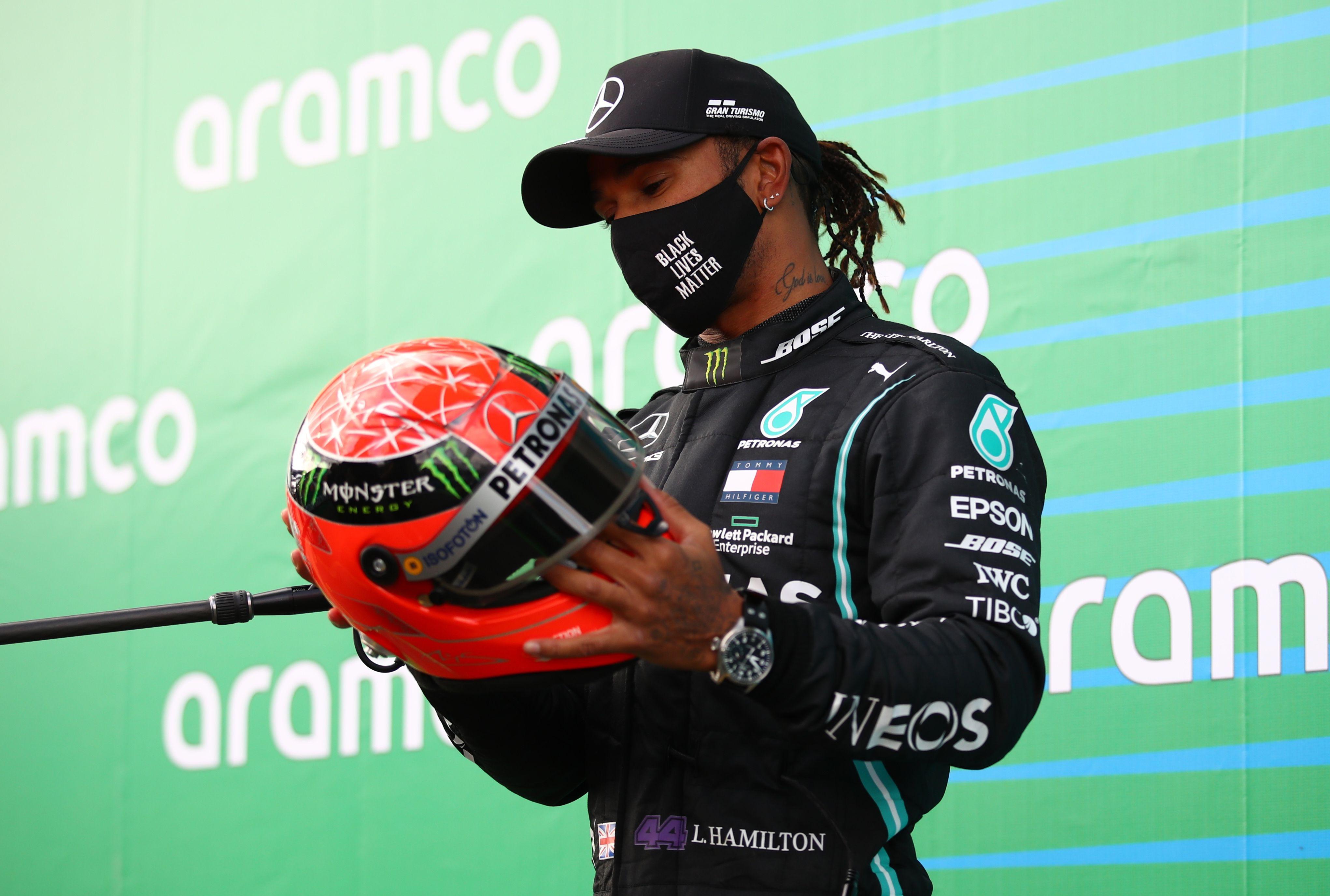 Ese casco lo utilizó Schumacher durante su última etapa en la Fórmula 1 a bordo de un Mercedes (Foto: Reuters)