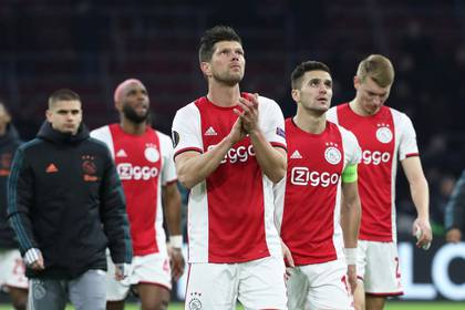 El Ajax es uno de los clubes que pide a la federación holandesa que de por terminado el campeonato (REUTERS)