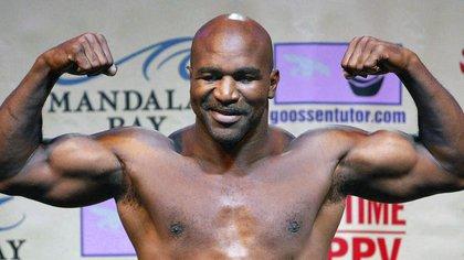 Evander Holyfield quiere hacer una pelea con Mike Tyson.